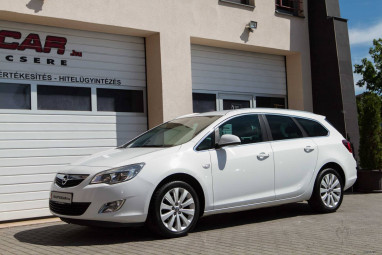 OPEL ASTRA J Sports Tourer 1.4 T Cosmo Magyar + FULL EXTRA !!
