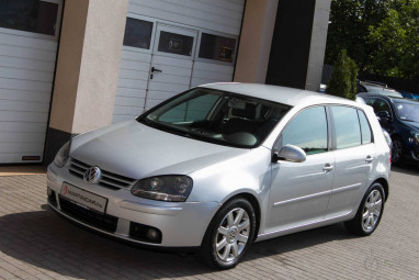 VOLKSWAGEN GOLF V 2.0 PD TDI Sportline Impozáns Sovereign Silver Edition!!