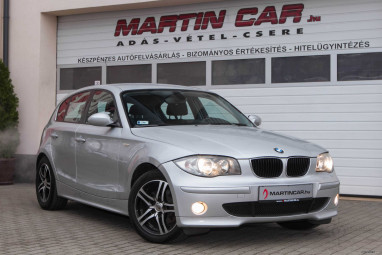 BMW 118d Impozáns Glacier Silver + Carbon Flash Edition++