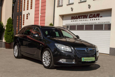 OPEL INSIGNIA Sports Tourer 2.0 CDTI Cosmo (Automata) Eredeti Magyar + Saphire Black Metalic EDITION ++