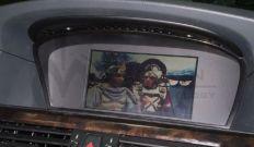 BMW 530d E60 Magyar nyelvű IGO navigáció, DVD lejátszó, Digitális Mpeg 4 conax Tv Tuner beszerelés. Gyári Aux bemenet aktiválás. Tv Free. Multimédia modul.
